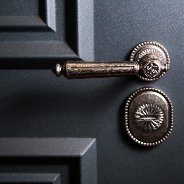 Дверная фурнитура
